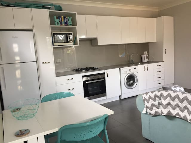 Granny Flat, Thornlie. Please read Desscription