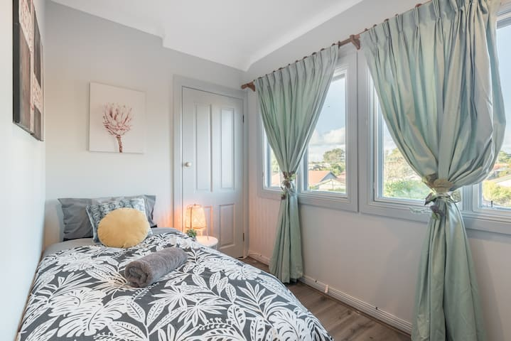 Boutique Private Rm situated in the heart of Burwood5