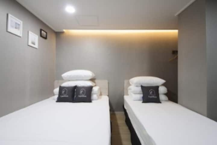 K-Grand Hostel Gangnam 1 - Deluxe Twin