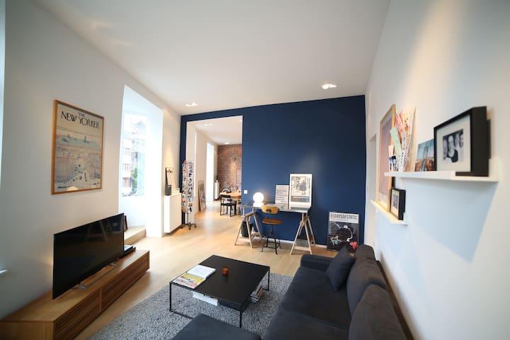 Spacious and Luxurious Apartment   Châtelain Area