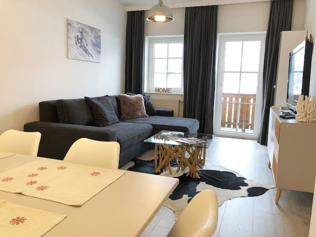 Lovely Flat in Zell am See City Center for 4