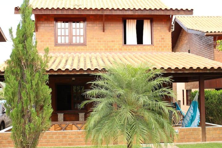 Casa duplex 5 quartos  Condomínio Solar Champerry