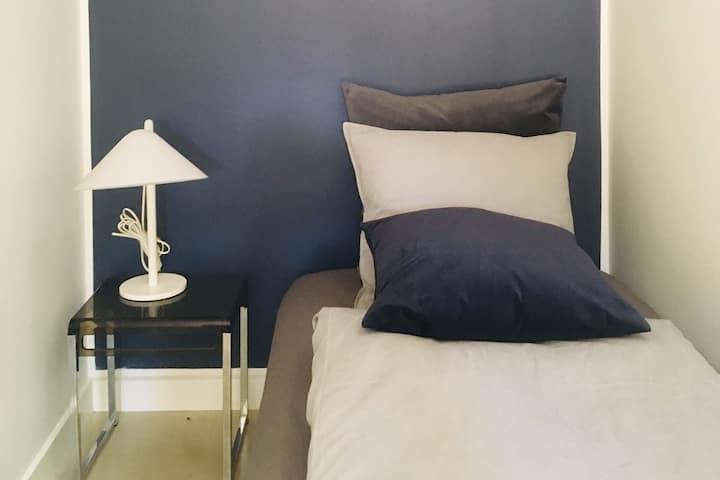 Lovely room (2) Villa/ 10 min Roskilde/ RUC