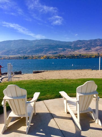 Osoyoos Beachside Cottage *Almost lakefront!*