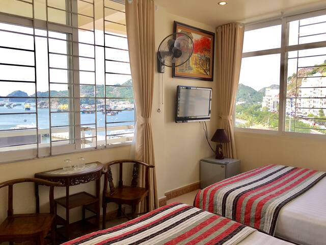 C506 Amazing sea view room in central location