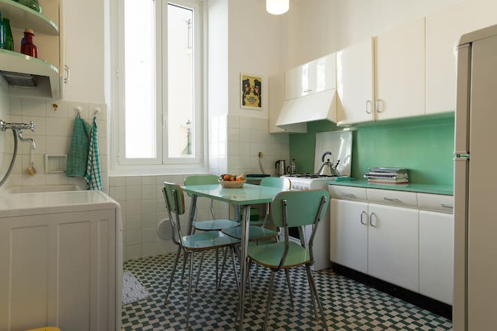 50's vintage apartment in liberty style house - Trieste - Appartement