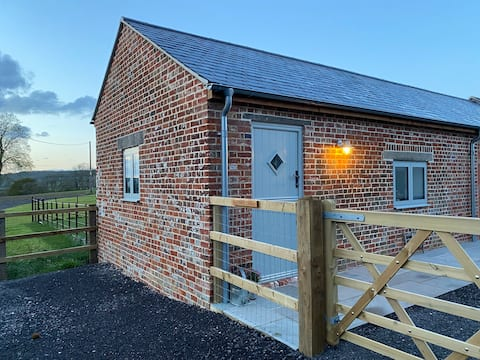 Self Contained Barn Conversion, Stunning Views