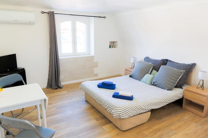 Appartement confortable central 100m de la plage