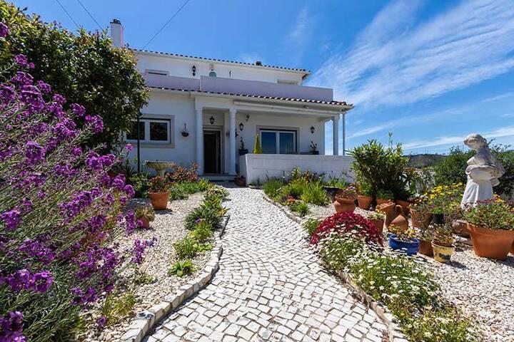 Villa Brigitte pour 10 personnes à Olho Marinho