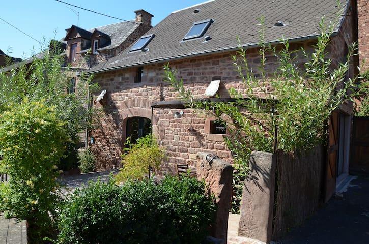 Etable de Lilou Gîte charme Aveyron Aubrac Conques