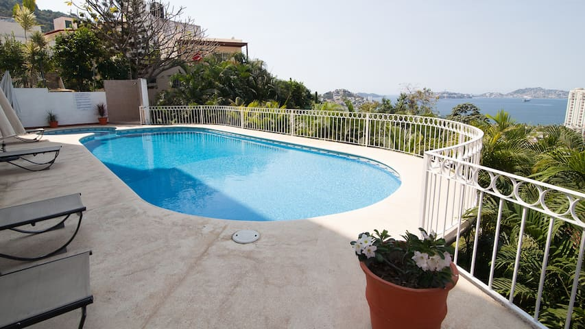 3 bdrm/2bth Apt. with a GREAT view. - Acapulco - Apartament