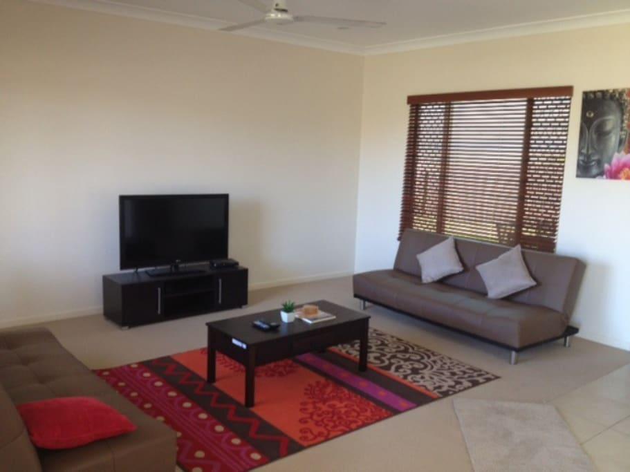 Separate lounge room, fan, tv, dvd