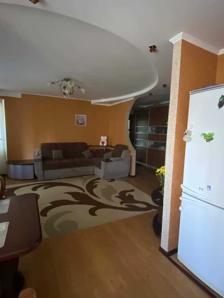 Комната в центре города Хрещатик -Сити