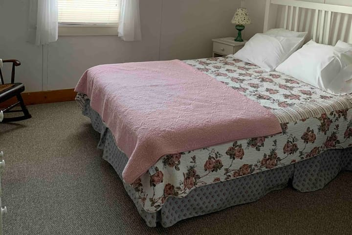 Rodgers Country Inn Bed & Breakfast - Room #1