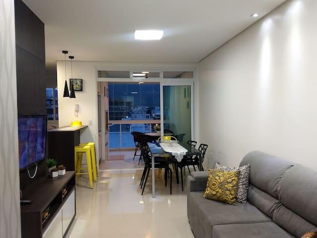 Apartamento completo a 150 metros da praia