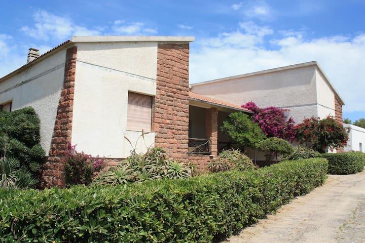 BIFAMILIARE FRONTE MARE locMARRITZA - marritza - House