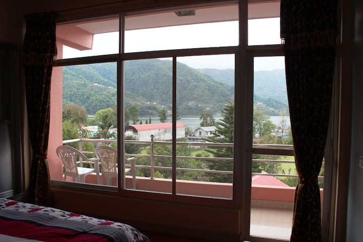 Fully Furnished apart with lakeview - Pokhara - Apartment