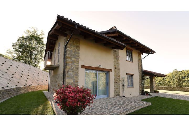 Villetta in Alta Langa  - Cerretto Langhe - Villa