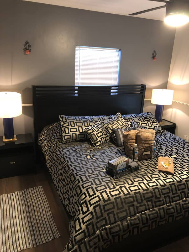 King Size Private Room   English/Spanish