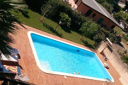 villa immersa nel verde con piscina - San Felice A Cancello - Villa - 1