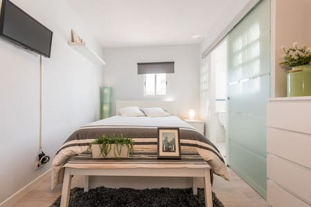 Sunny and modern studio in the heart of Madrid