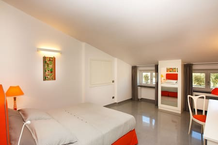 B&B COLARUSSO - DOMENICA ROOM - Bed & Breakfast