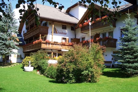 Ferienwohnungen in den Dolomiten - Rasen-Antholz - Apartment