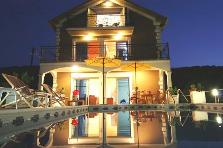 Villa Tivat, Pool & Seaviews - Tivat - Villa