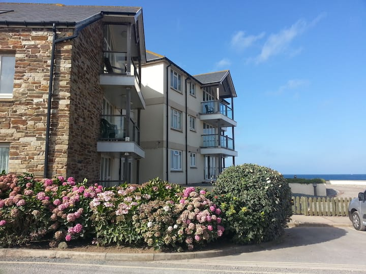 Stunning 3 bed apartment on the beach Nr Salcombe