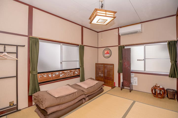 Japanese tatami room / 3 min from Shin-Kobe Sta.