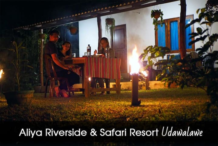 Aliya Riverside & Safari Resort - King Room