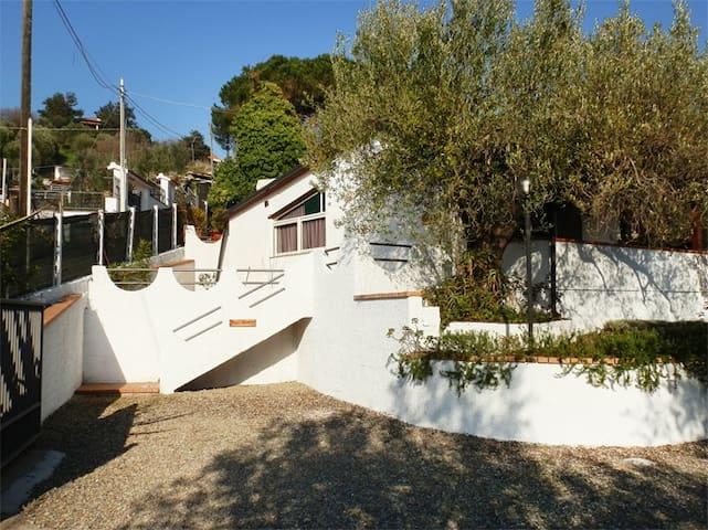 Casa Vacanze Maestrale in Cilento - พาลินูโร - บ้าน