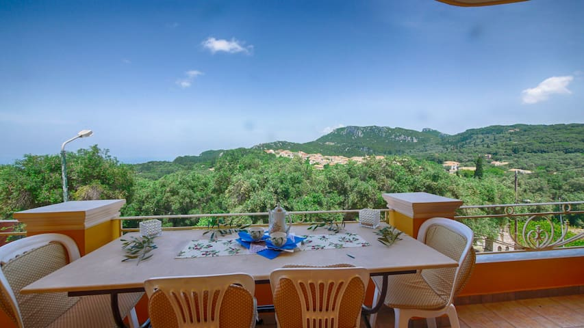 Apartment with a spectacular view in Krini