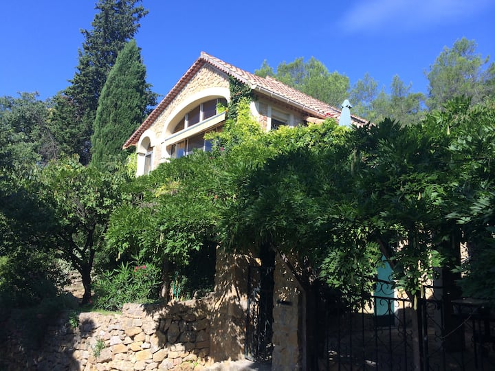 lovely villa in French countryside Goudargues