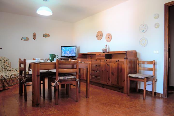Appartamento indipendente vista mare a La Conia