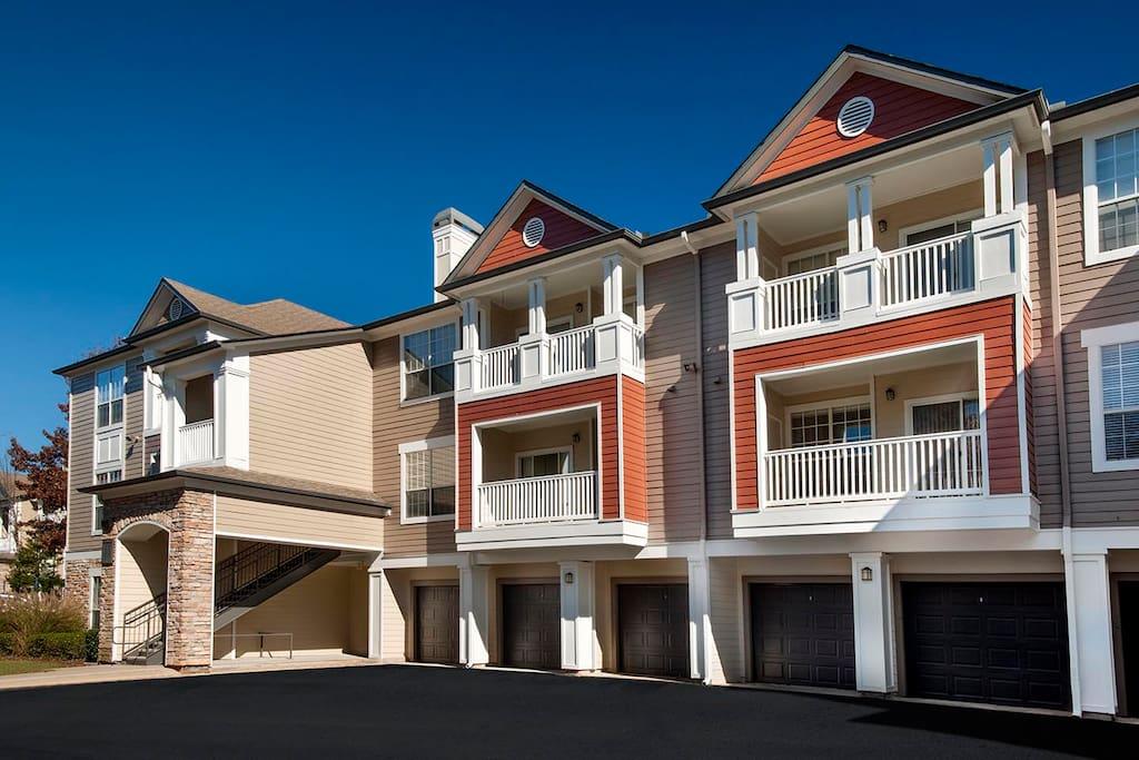 Private escape in alpharetta flats for rent in alpharetta georgia united states for One bedroom apartments in alpharetta ga