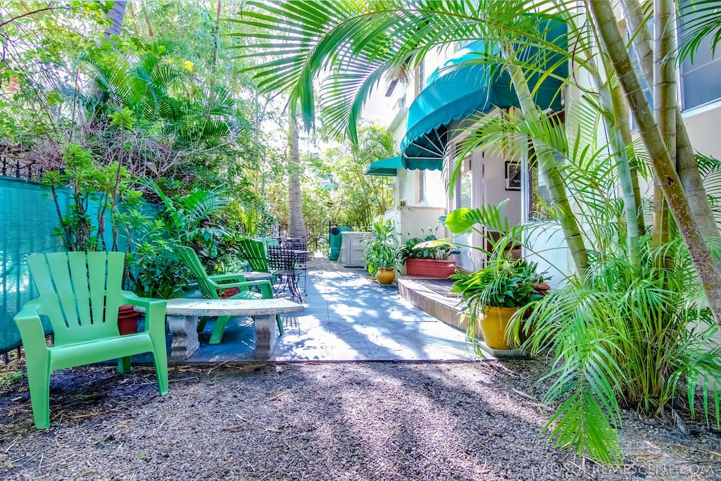 Large Double Bed Studio in South Beach - Boutique hotels for Rent in ...