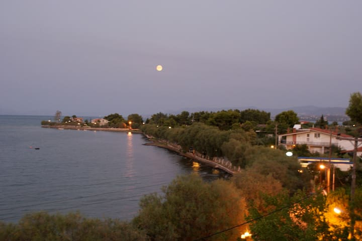 Seaside apartment in Avlida Beach - Paralia - Pis