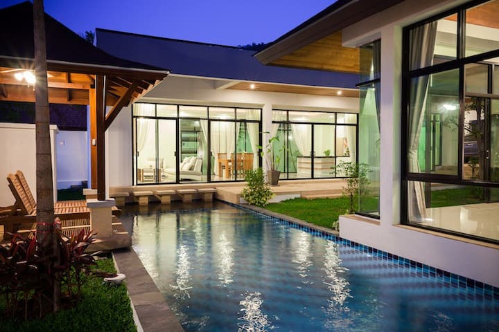 Phuket Pool Villa in Rawai
