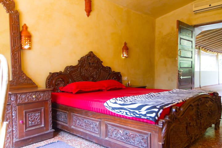 Namaste Jungle Boutique Home Stay - Assagao - Blockhütte