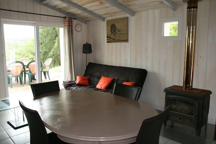 Gîte à Besançon en pleine nature - Besançon - Huis