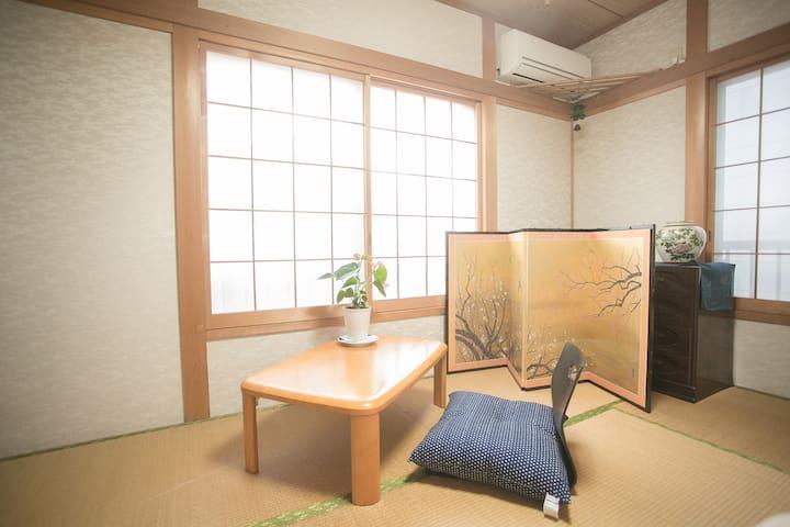 cosy house 5 mins walk to JR station,max 12 ppl#15 - Kita-ku - Huis