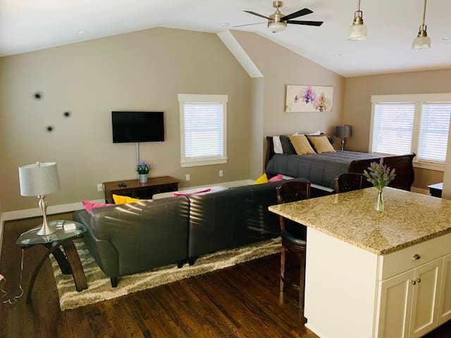 RNC Private Guest Suite with Private Entrance