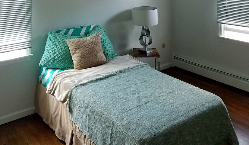 1 Bedroom Twin Bed
