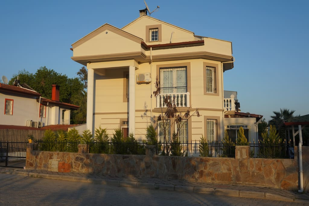 Front of Hideaway villa