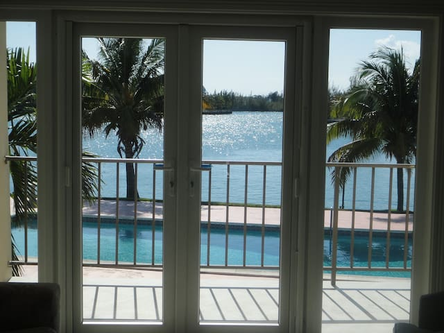Its Better in The Bahamas! - Freeport