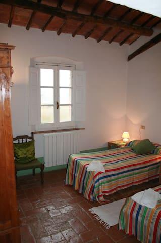 Casa Santa Marta Ap.2 - San Rocco - Huoneisto