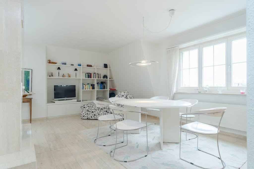 traumhafte maisonette wohnung mit seeblick wohnungen zur miete in ermatingen thurgau schweiz. Black Bedroom Furniture Sets. Home Design Ideas