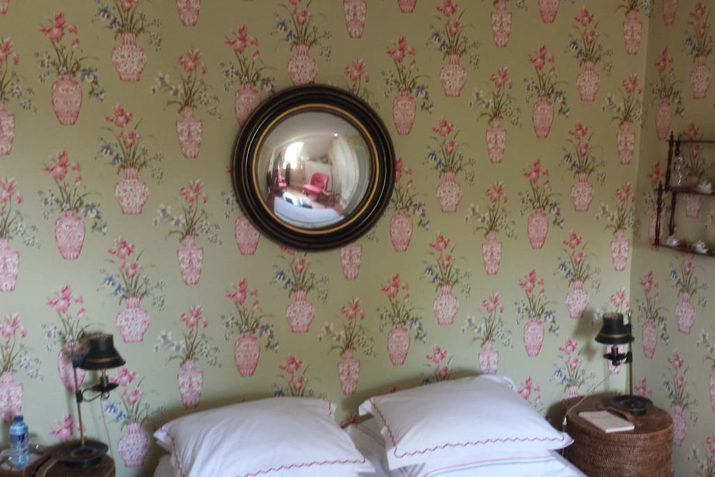 Chambre chinoise bed and breakfasts for rent in for Chambre chinoise