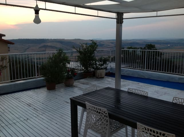 Casa con vista mozzafiato - Tarquinia - Dům